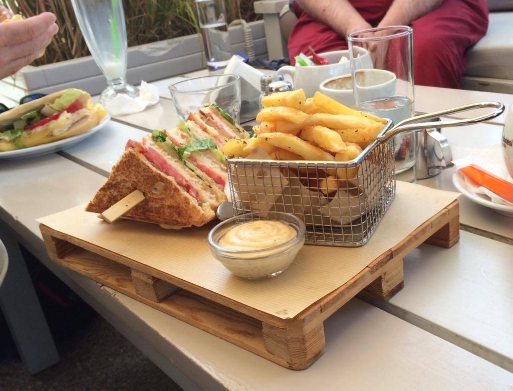 dinner on a pallet
